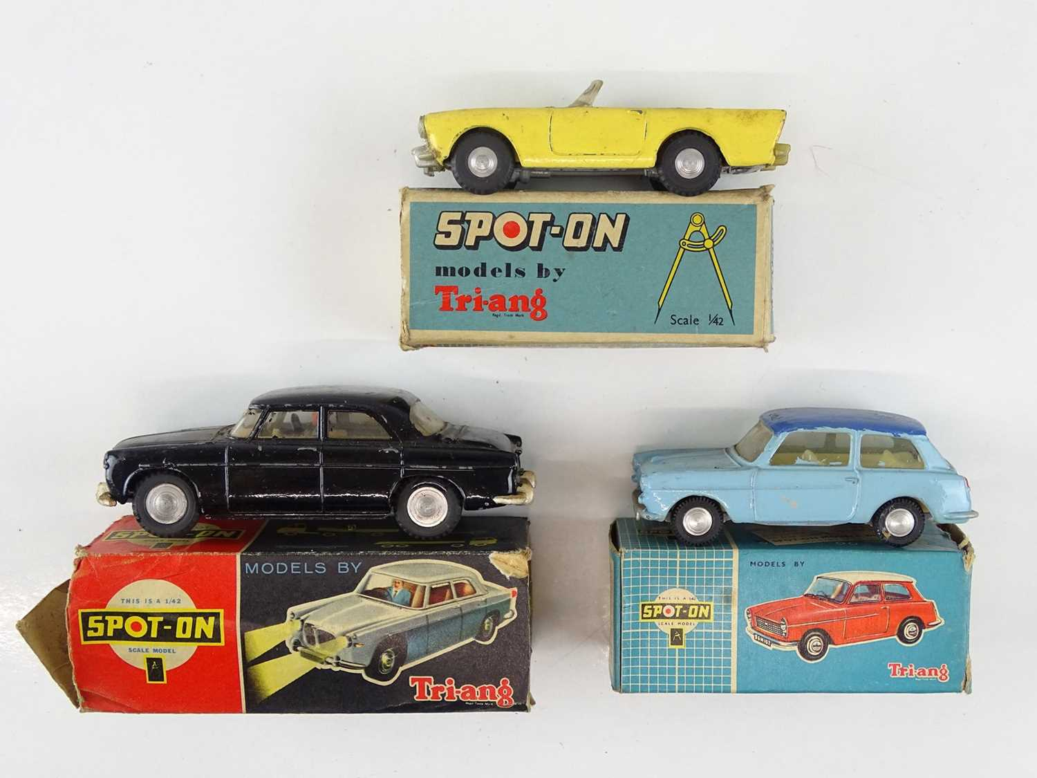 Lot 55 - A group of TRI-ANG SPOT-ON cars comprising 154,...