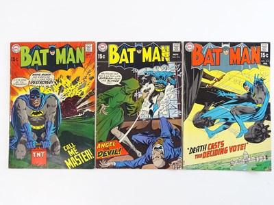 Lot 11 - BATMAN #215, 216, 219 - (3 in Lot) - (1969/70 -...