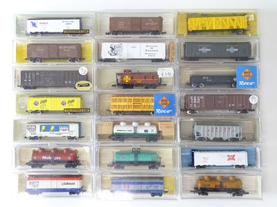 Lot 17 - A group of N Gauge American Outline freight...