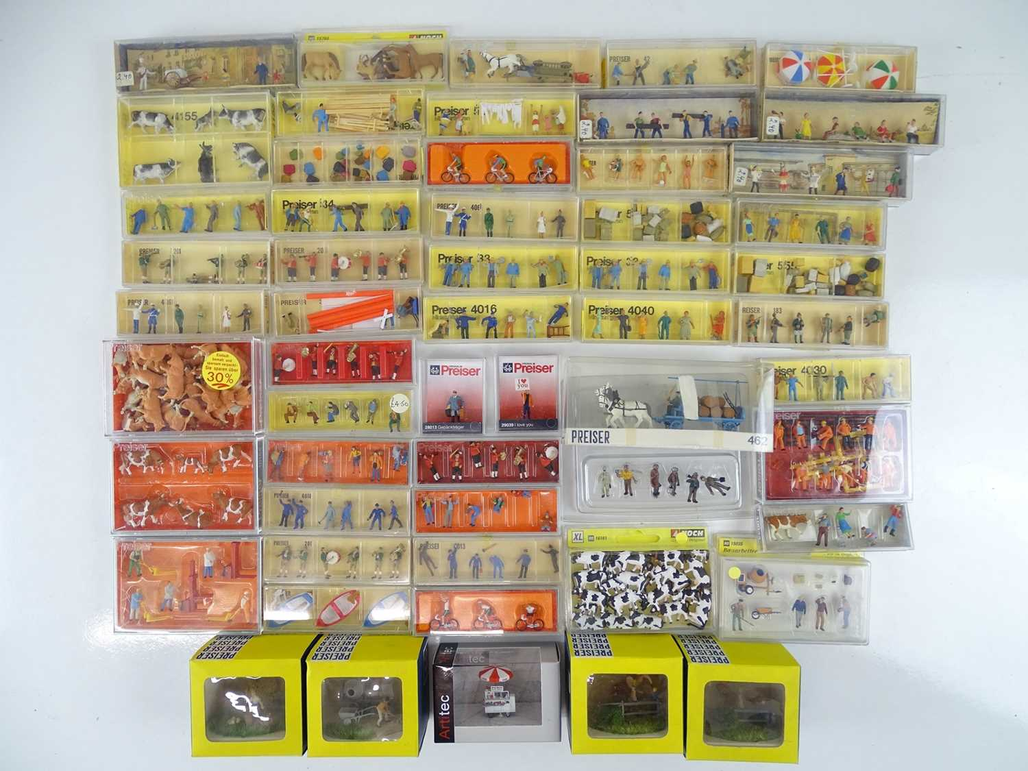 Lot 176 - A large quantity of HO Scale figures, animals...