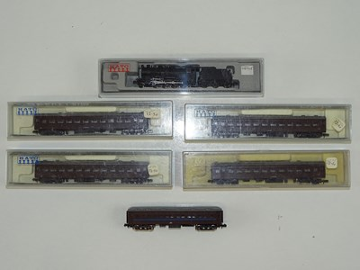 Lot 29 - A group of N Gauge Japanese Outline items by...