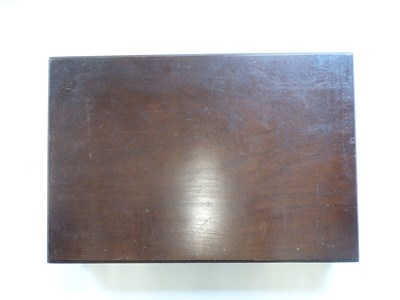 Lot 140 - A wooden presentation case containing 66...