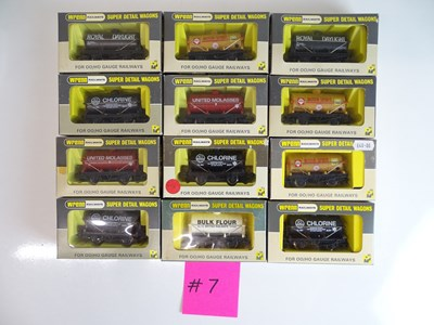 Lot 195 - OO SCALE MODEL RAILWAYS: A mixed group of...