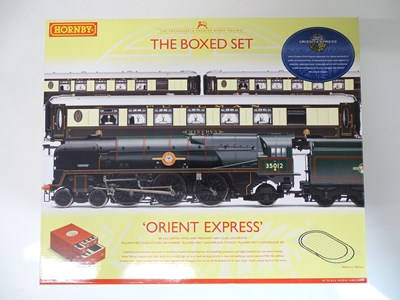 Lot 337 - OO SCALE MODEL RAILWAYS: A HORNBY R1038 'The...