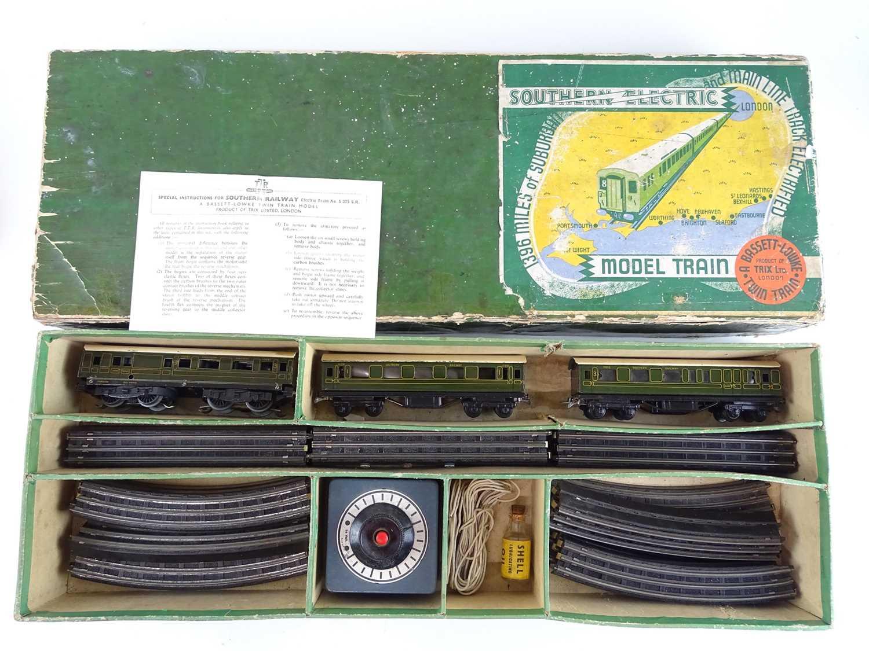 """Lot 286 - A TRIX TWIN rare pre war """"Southern Electric""""..."""