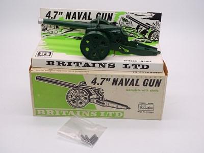 """Lot 1 - A BRITAINS 9730 4.7"""" Naval Gun - VG in VG box -..."""