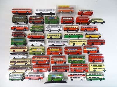 Lot 26 - A large quantity of unboxed 1:76 scale buses...
