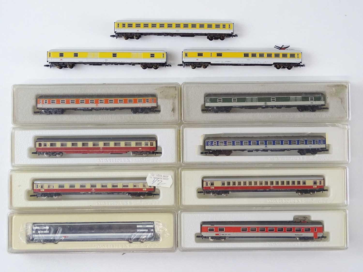 Lot 291 - A mixed group of MARKLIN Z Gauge German and...