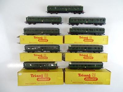 Lot 7 - A quantity of TRI-ANG TT Gauge Class 104 DMU...