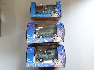 Lot 129 - A pair of WALLACE & GROMIT remote control...