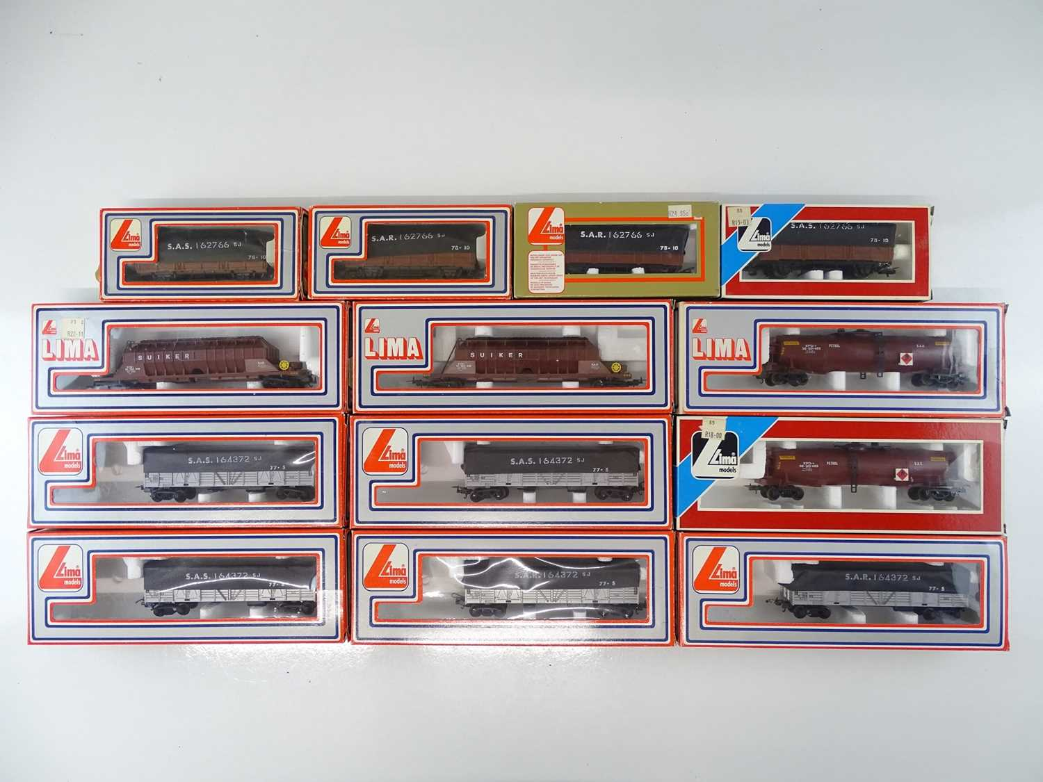Lot 239 - A mixed group of LIMA HO Gauge South African...