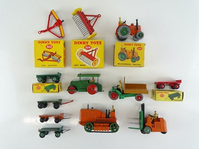 Lot 39 - A group of boxed and unboxed DINKY...
